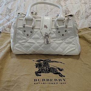 Burberry white quilted purse